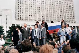 الانهيار الزائف للشيوعية وحقيقة الانقلاب المفبرك على غورباتشوف